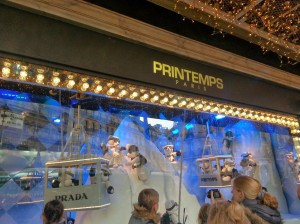 Playful holiday window shows at Galeries Lafayette