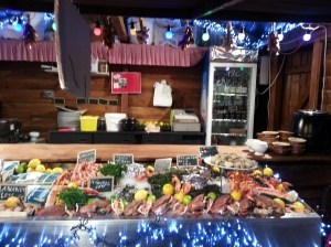 Raw bar at the petit Eiffel Tour market