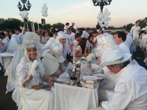 Costumes and themes at every table
