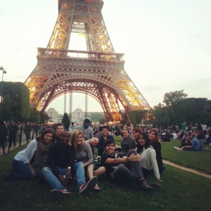 Cheap Things to Do in Paris This Summer; Picnic in the Parc